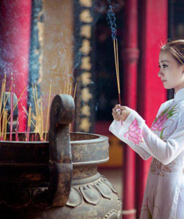 Tu học Phật pháp - Hoa khai Cực Lạc tháng cô hồn