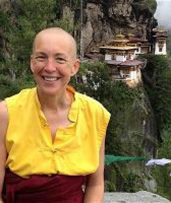 Sử Dụng Thất Giác Chi (Thất Bồ Đề Phần) Trong Công Phu Môn Niệm Phật - Vị Ni Sư Giữa Trời Đông Tây