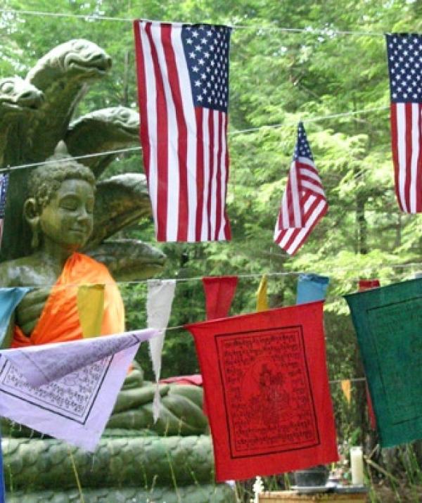Bài viết, tiểu luận, truyện ngắn - Tìm Hiểu Hướng Đi Của Phật Giáo Việt Nam Trong Bối Cảnh Phật Giáo Mỹ