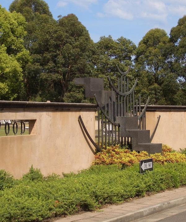 Bài viết, tiểu luận, truyện ngắn - Sợ ma nơi nghĩa trang