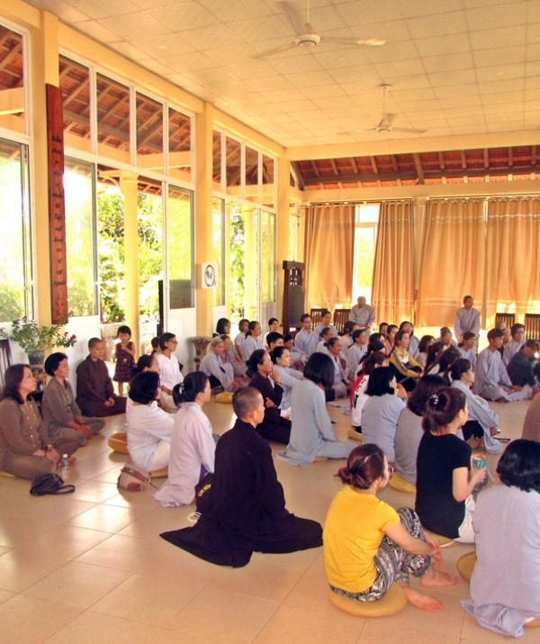 Bài viết, tiểu luận, truyện ngắn - Đến với Khóa tu Mùa Thu trên Kim Sơn