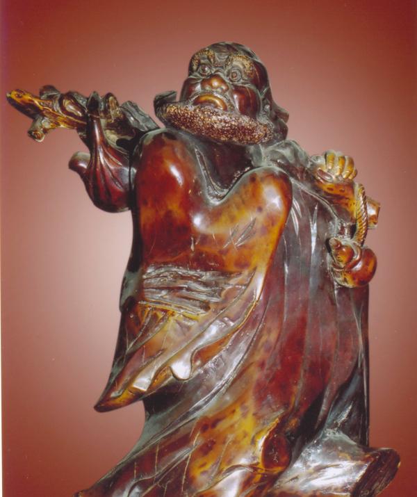Bài viết, tiểu luận, truyện ngắn - Tổ Bồ-đề Đạt-ma qua nghệ thuật gỗ lũa