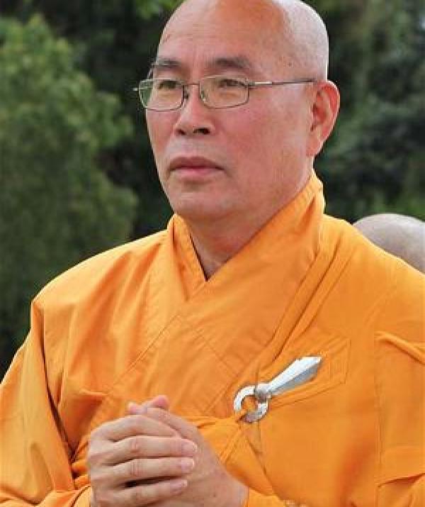 Bài viết, tiểu luận, truyện ngắn - Phật pháp - Một năng lượng sống thánh thiện ngay bây giờ để chuyển hóa khổ đau